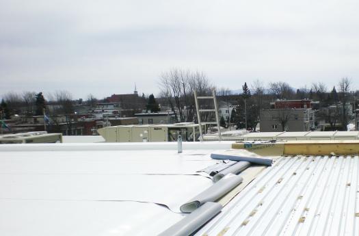 Choisir les bons mat riaux de rev tement de toiture lk for Choisir couleur toiture